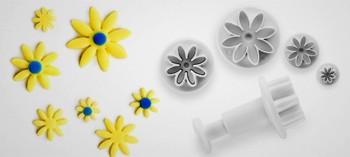 Découpoir mini fleur avec poussoir (x4)